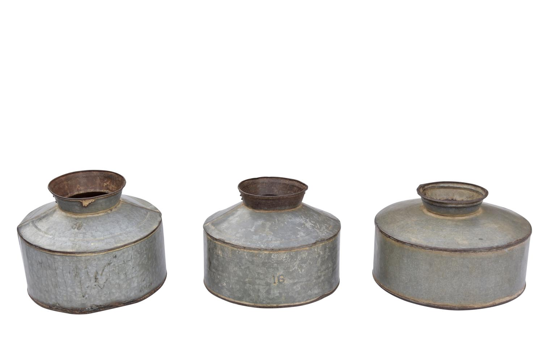 Authentiek indische metalen oliekan ajc meubelen for Indische accessoires